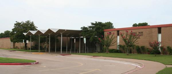 entrance of Donna Park Elementary